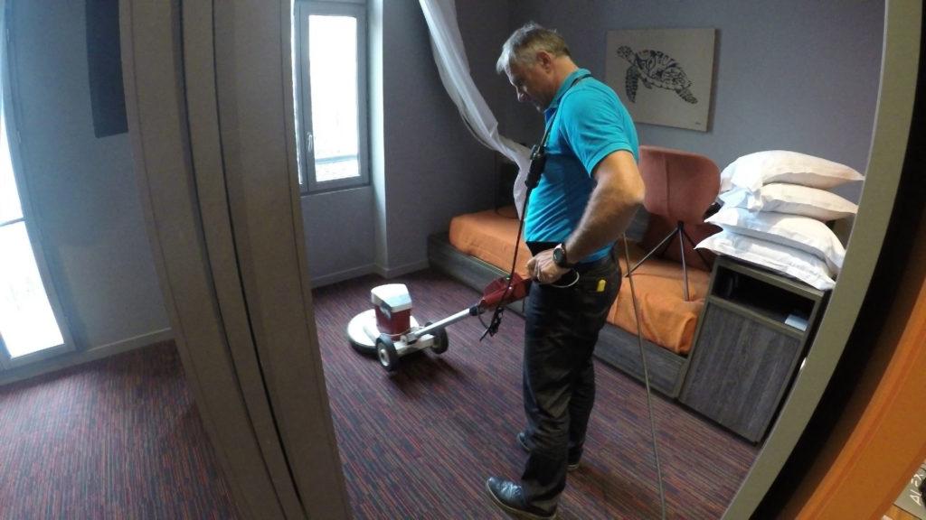 Nettoyage des moquettes des locaux pour entreprise Lille