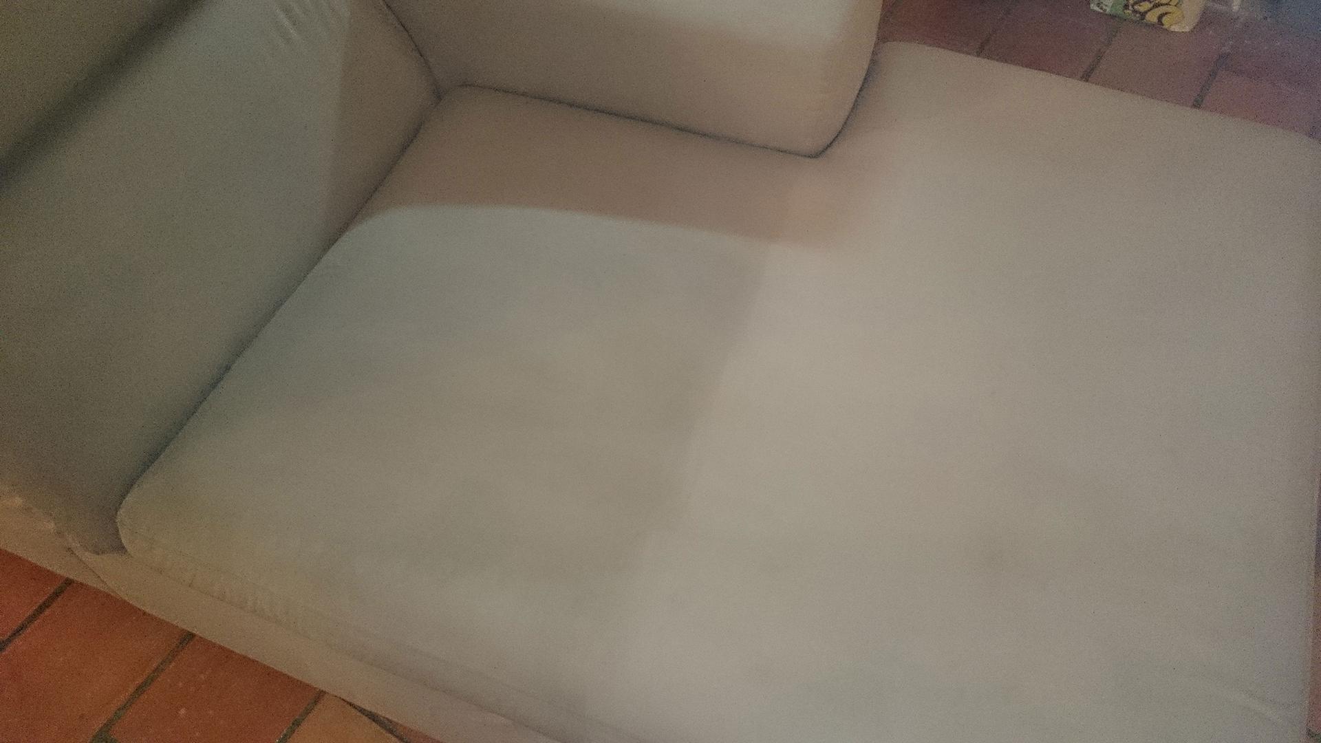 nettoyage de canap s montpellier fauteuils matelas moquettes. Black Bedroom Furniture Sets. Home Design Ideas